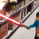 Vader geeft zoontje superkrachten.