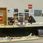 Jongen van 11 jaar bouwt schip van lego